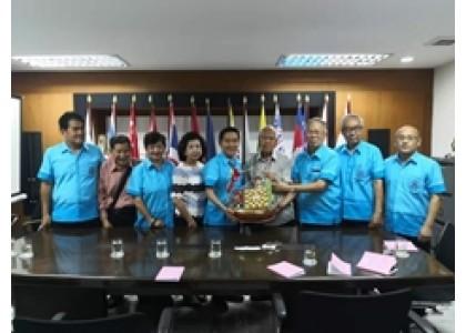 我校校友会领导拜访泰国华教机构负责人